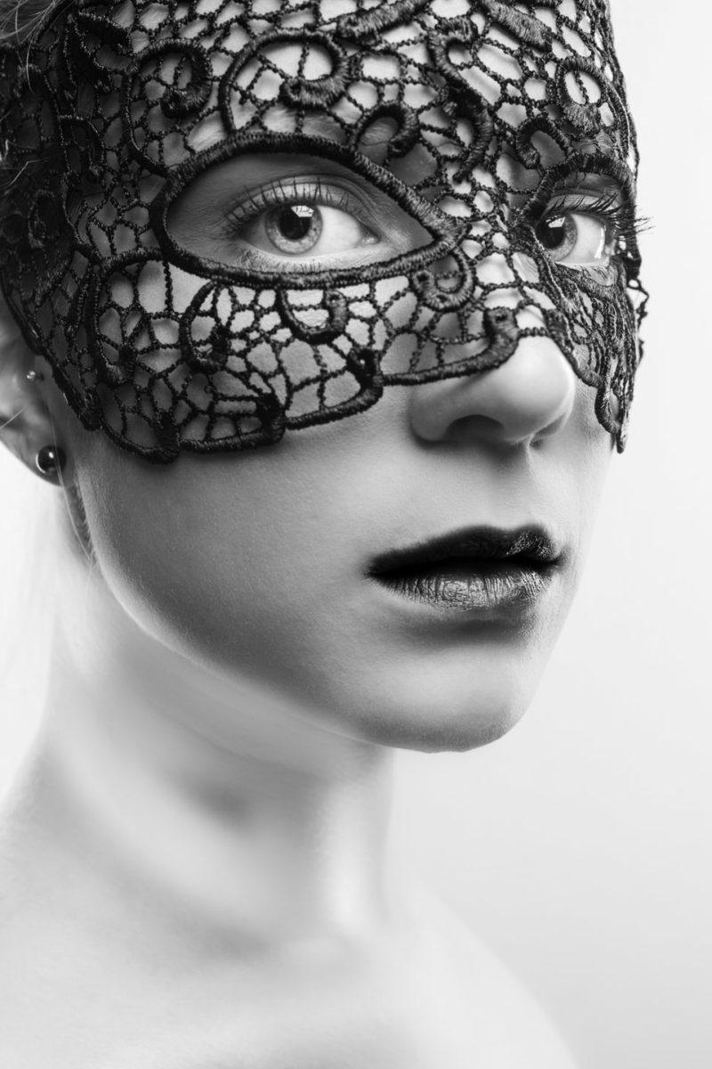 Thomas Wensing | Portfolio | Sensual & Nude | Maske